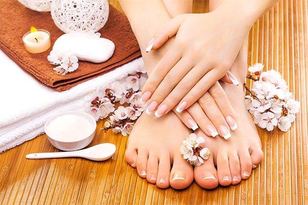 Nail Manicure-min